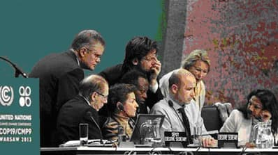 Plenary Meeting of the UN Conference on Climate Change 19/12. (Photo: AFP / VNA)